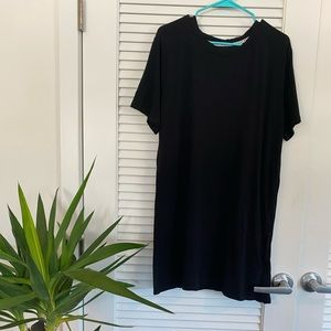 DKNY black T-shirt dress - size M